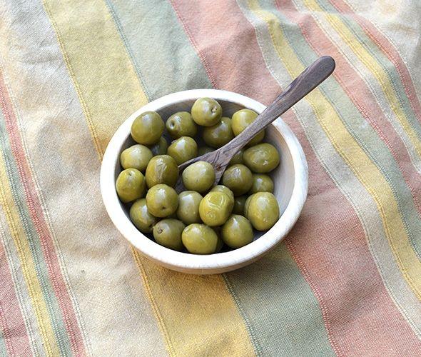 Manzanilla Oliven grün